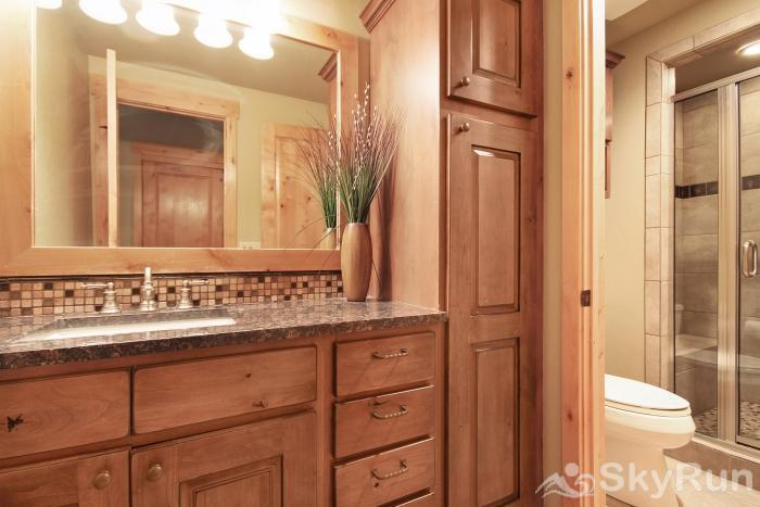 39C Union Creek Townhomes West En Suite Bathroom