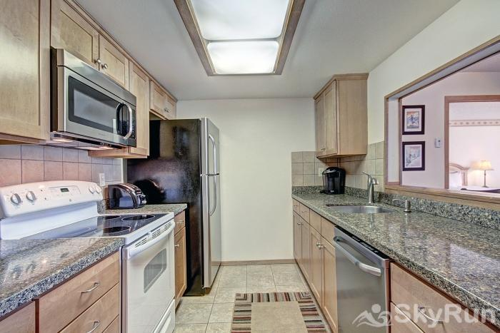 VS438S Village Square Beautiful Fully Equipped Kitchen