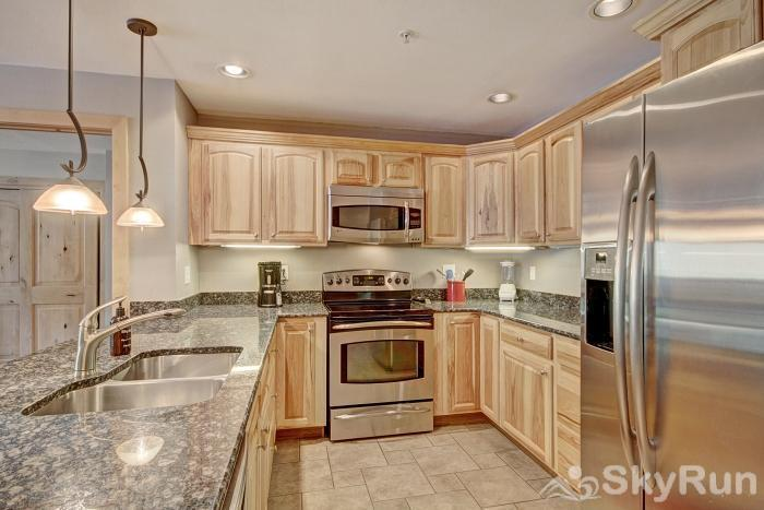 MP706M Mountain Plaza Beautiful Fully Equipped Kitchen